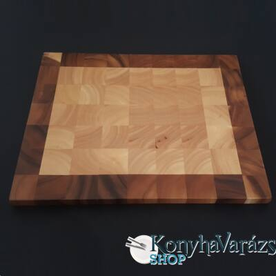 Fa vágódeszka 30,5x38x2 cm.